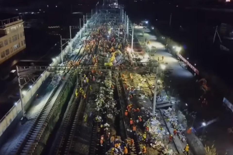 Imagem de Inacreditável: chineses constroem estação de trens em menos de 9 horas no tecmundo