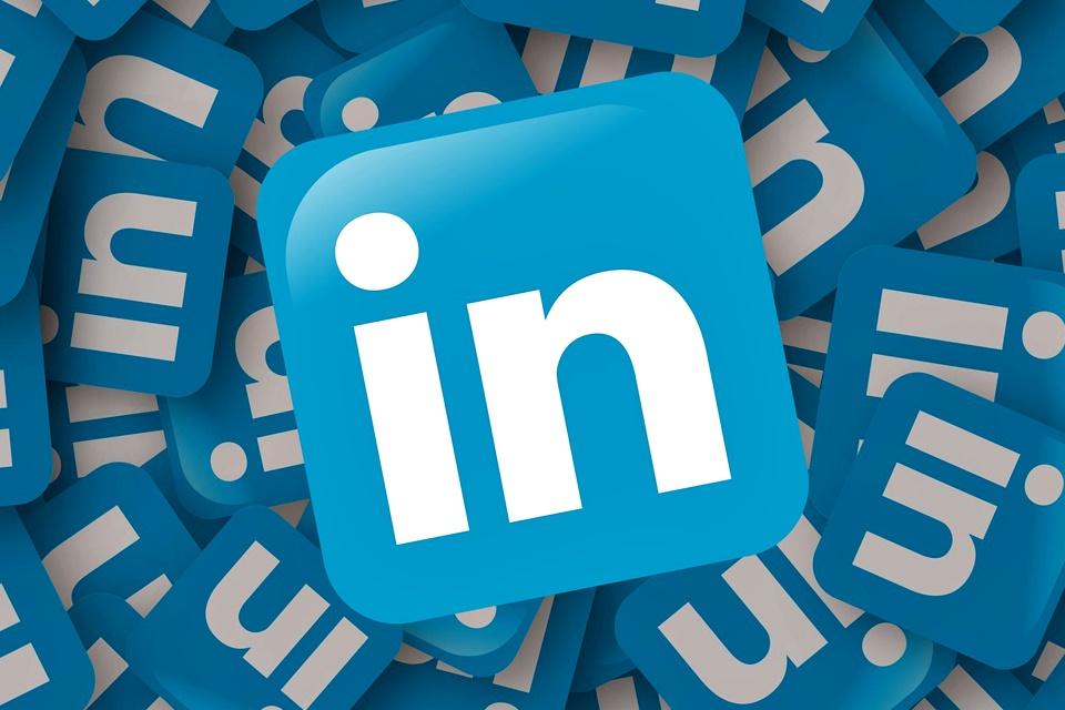 """Imagem de """"Especializado"""" é a palavra mais popular no LinkedIn em 2017; veja o Top 10 no tecmundo"""