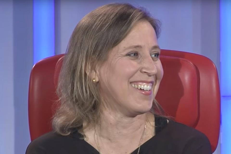 """Imagem de CEO do YouTube diz para o Face """"voltar ao compartilhamento e fotos de bebê"""" no tecmundo"""