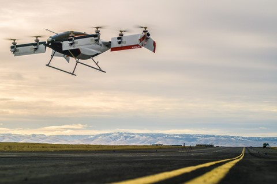 Imagem de Airbus celebra voo de táxi aéreo autônomo alimentado só por eletricidade no tecmundo