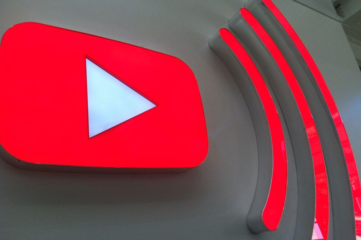 """Imagem de YouTube anuncia """"parceria"""" com a Wikipédia sem avisar a Wikipédia no tecmundo"""