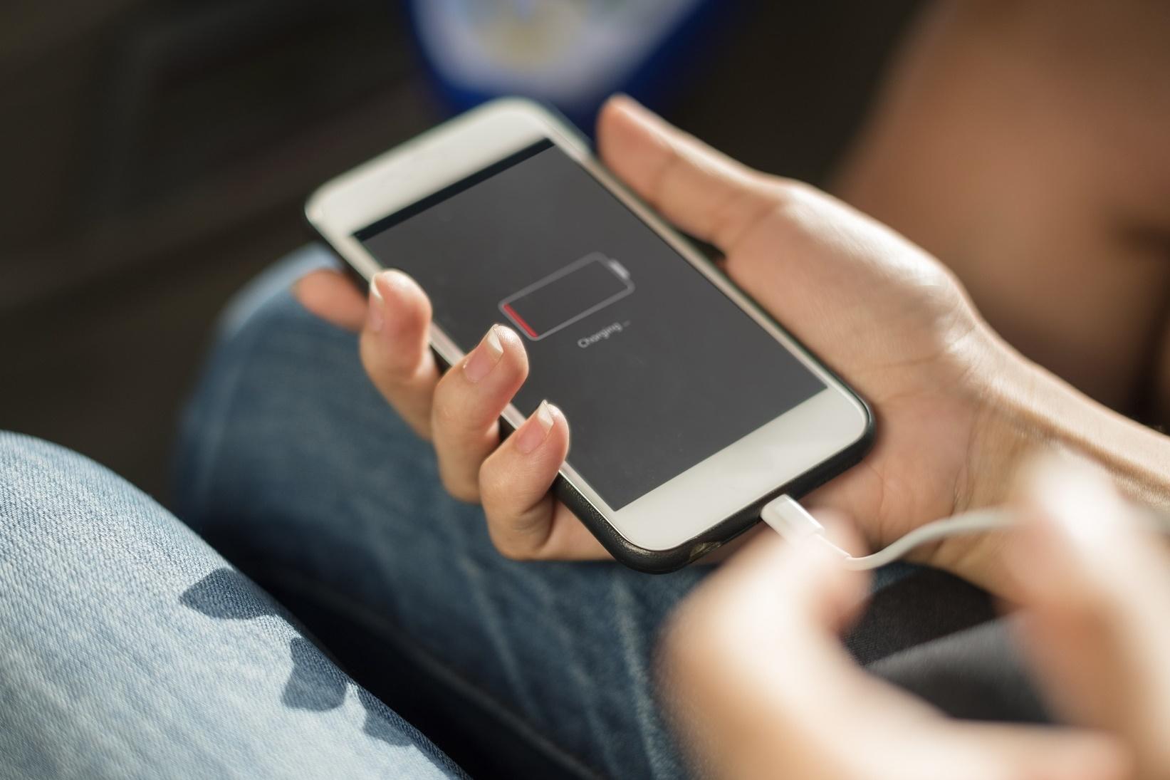 Imagem de Até o momento, só um smartphone é compatível com a Quick Charge 4.0 no tecmundo