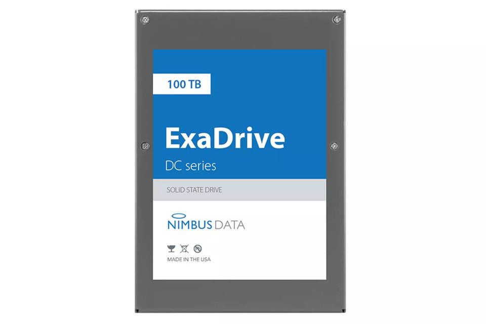 Imagem de SSD com 100 TB de armazenamento da Nimbus Data bate recorde da Samsung no tecmundo