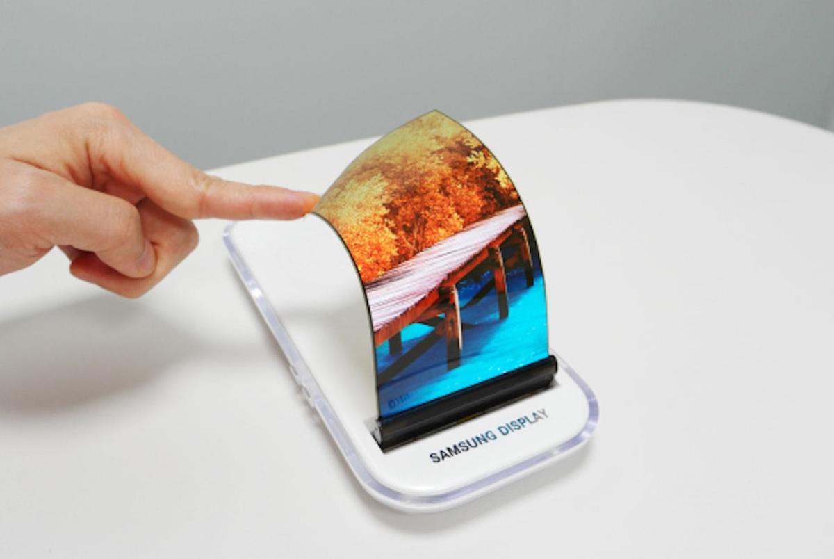 Imagem de Smartphone dobrável da Samsung vai ficar para o futuro próximo no tecmundo