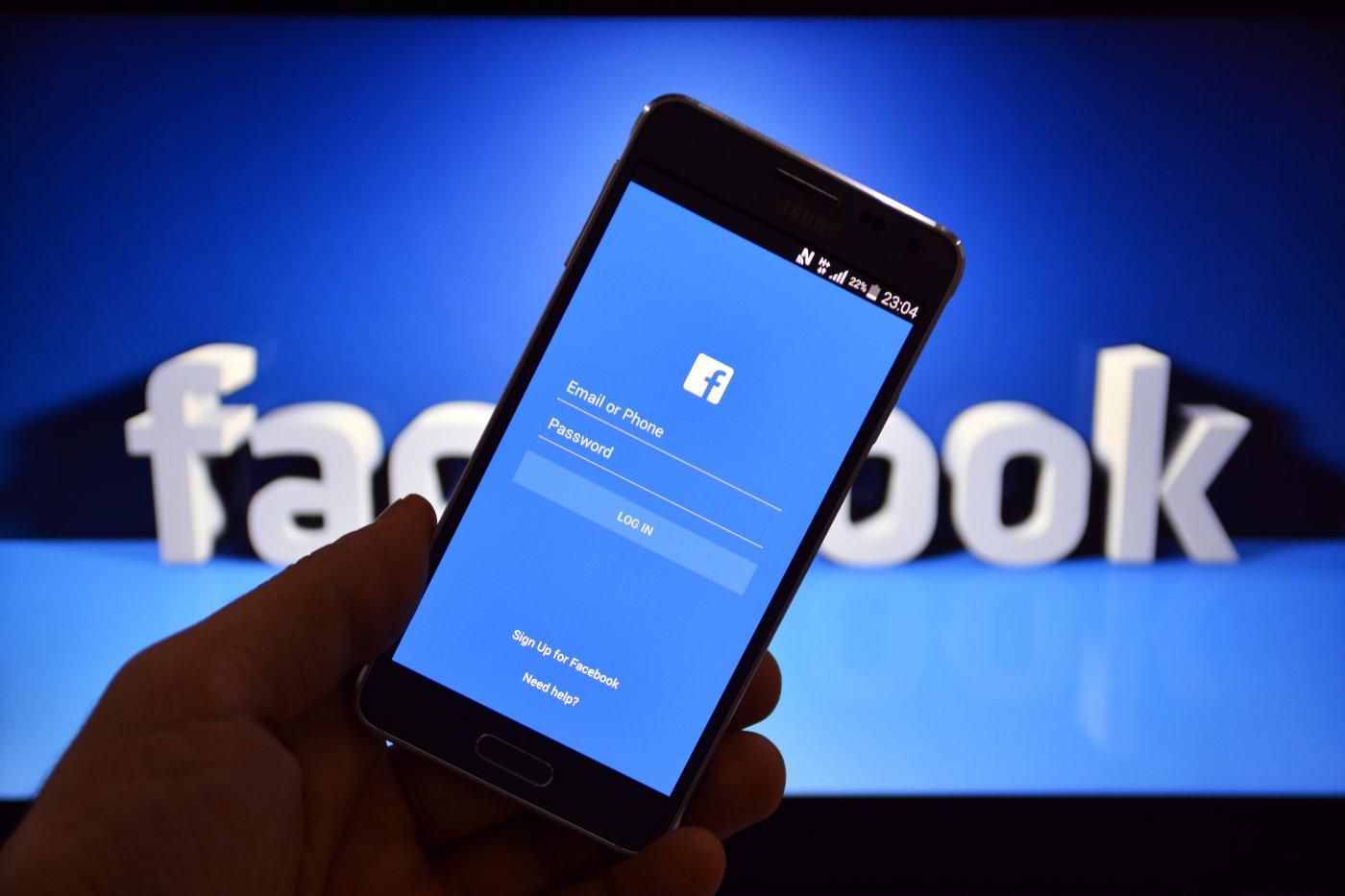 Imagem de Facebook não permite mais busca de usuários usando número de telefone no tecmundo