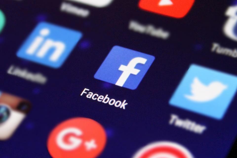 Imagem de Facebook é alvo de ação judicial coletiva envolvendo reconhecimento facial no tecmundo