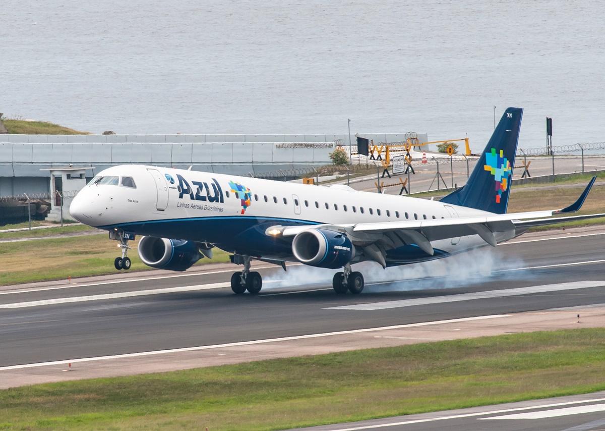 azul companhia aérea avião