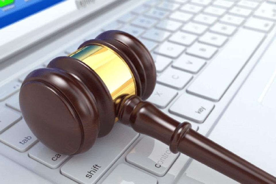 Imagem de Processo sob uma nova lei de pornografia de vingança é arquivado, em NY no tecmundo