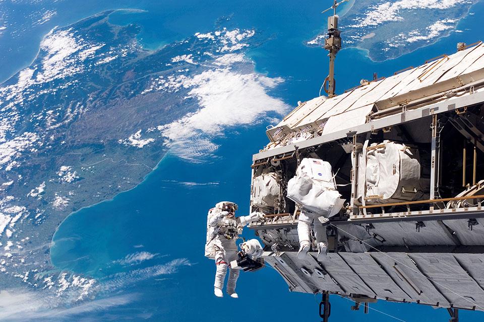 Imagem de NASA busca investidores para privatização da Estação Espacial Internacional no tecmundo