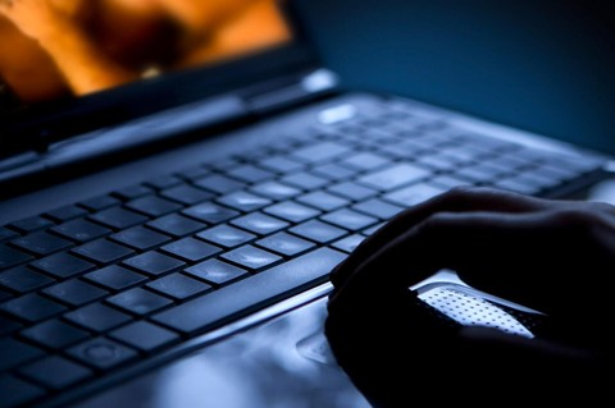 Imagem de Cada vez mais, jovens têm acesso sem querer a conteúdo sexual pela internet no tecmundo