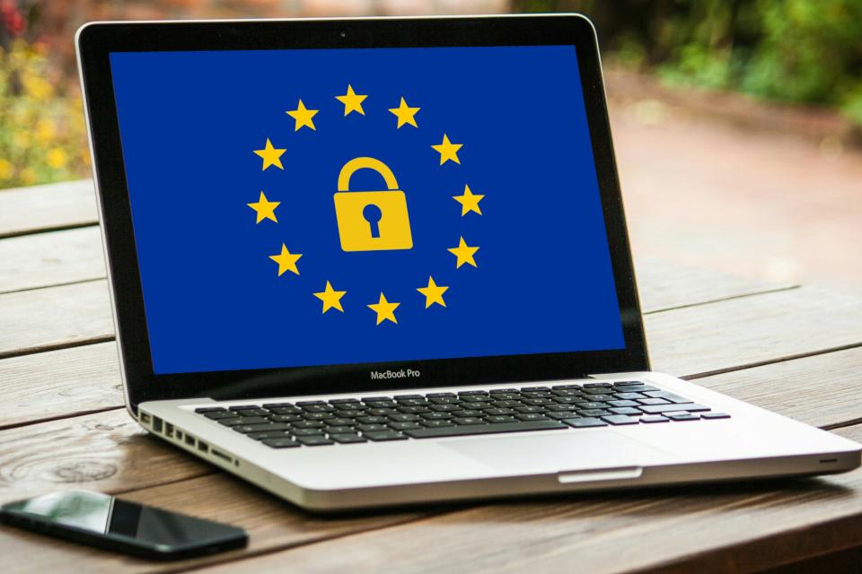 Imagem de Proposta de lei europeia ameaça a web e pode até proibir memes no tecmundo
