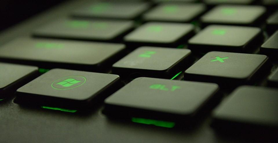 Um teclado.