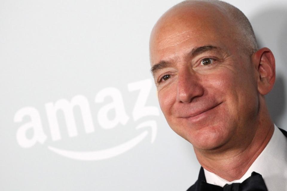 Imagem de Jeff Bezos tem US$ 150 bilhões e vira homem mais rico da história recente no tecmundo
