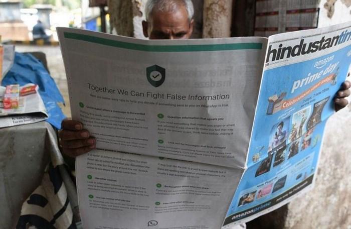 Um jornal.
