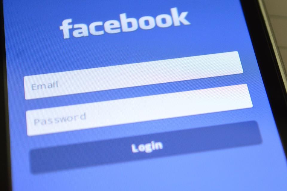 Imagem de Facebook perde US$ 120 bilhões em valor de mercado em um único dia no tecmundo