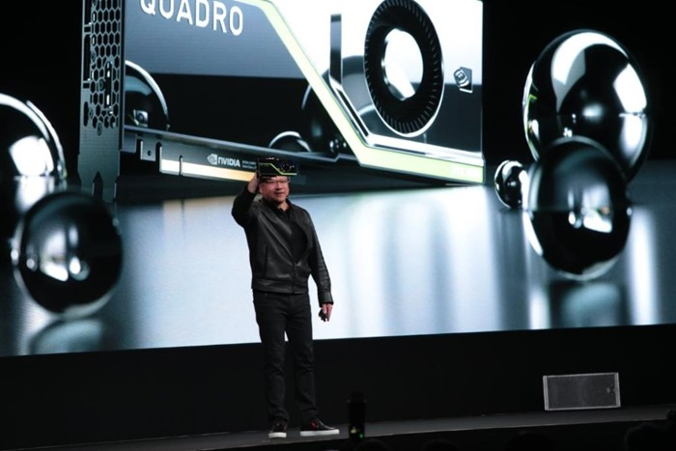Jensen Huang com Quadro RTX