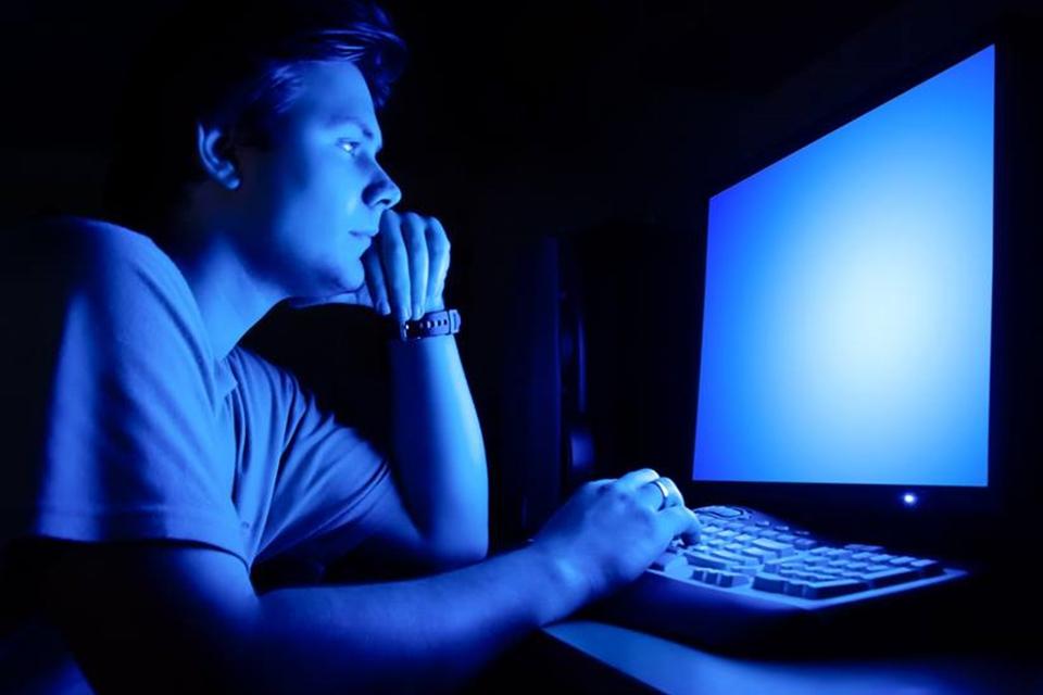 Imagem de Por que todo mundo esperava a meia-noite para usar a internet discada? no tecmundo