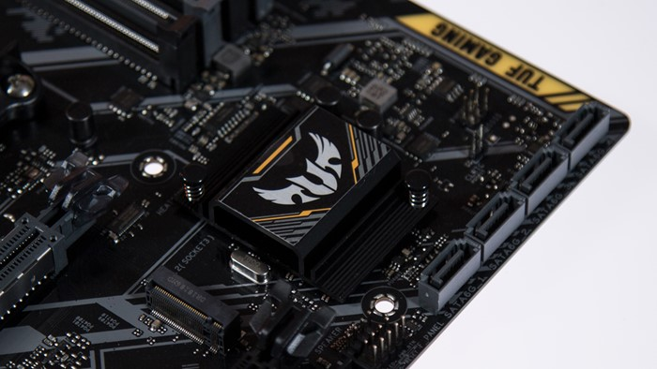 AMD B450 na ASUS TUF B450M