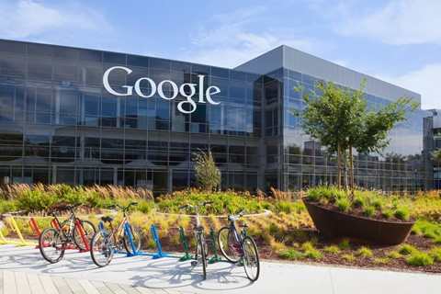 Imagem de Autodidata? Tudo bem! Google e Apple não exigem mais diploma para contratar no tecmundo