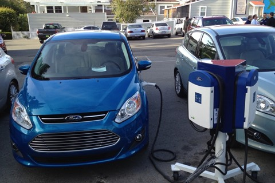 Imagem de Ford decide recolher cabos de carros elétricos que podiam causar incêndios no tecmundo