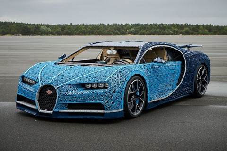 Imagem de LEGO constrói réplica funcional em tamanho real de um Bugatti Chiron no tecmundo