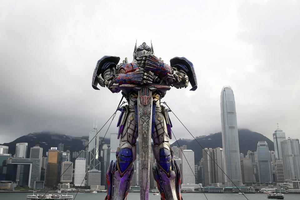 """Imagem de """"Transformer"""" é visto andando pelas estradas de Pequim; Assista! no tecmundo"""