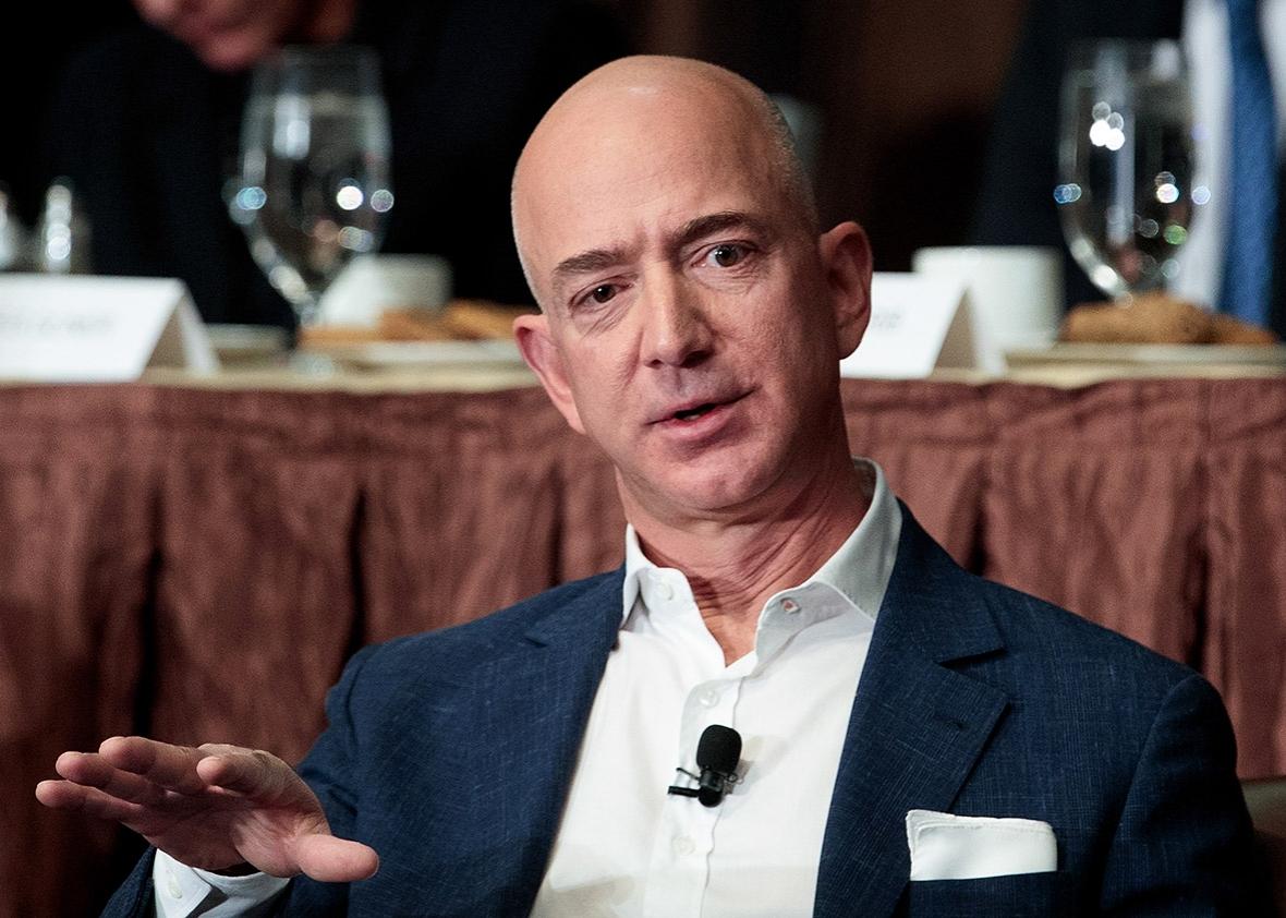 """Imagem de CEO da Amazon quer criar escolas gratuitas onde """"alunos são clientes"""" no tecmundo"""
