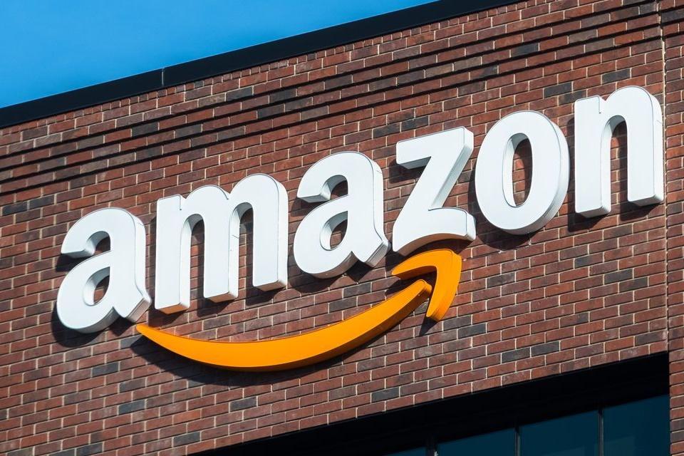 Imagem de Amazon aumenta salário mínimo para amenizar críticas de trabalhadores no tecmundo