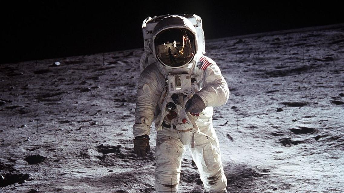 Imagem de Confira 11 imagens incríveis de astronautas da NASA no espaço no tecmundo