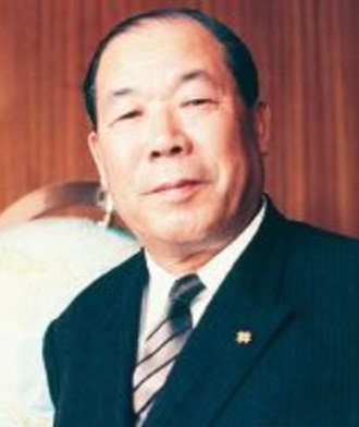 Toshio Iue.