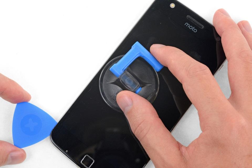 Imagem de Motorola vai oferecer kit de reparo de smartphone para clientes no tecmundo
