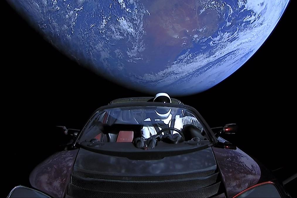 Imagem de Starman e o Roadster de Elon Musk chegam ao seu ponto mais distante do Sol no tecmundo