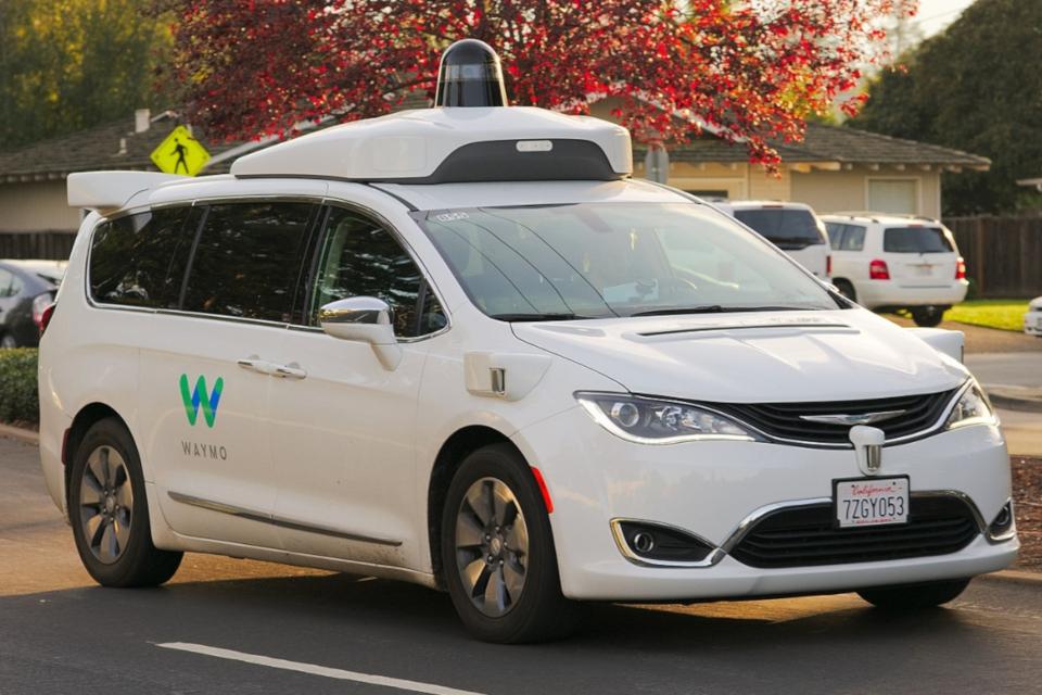 Imagem de Waymo vai lançar serviço de transporte com carros autônomos ainda neste ano no tecmundo