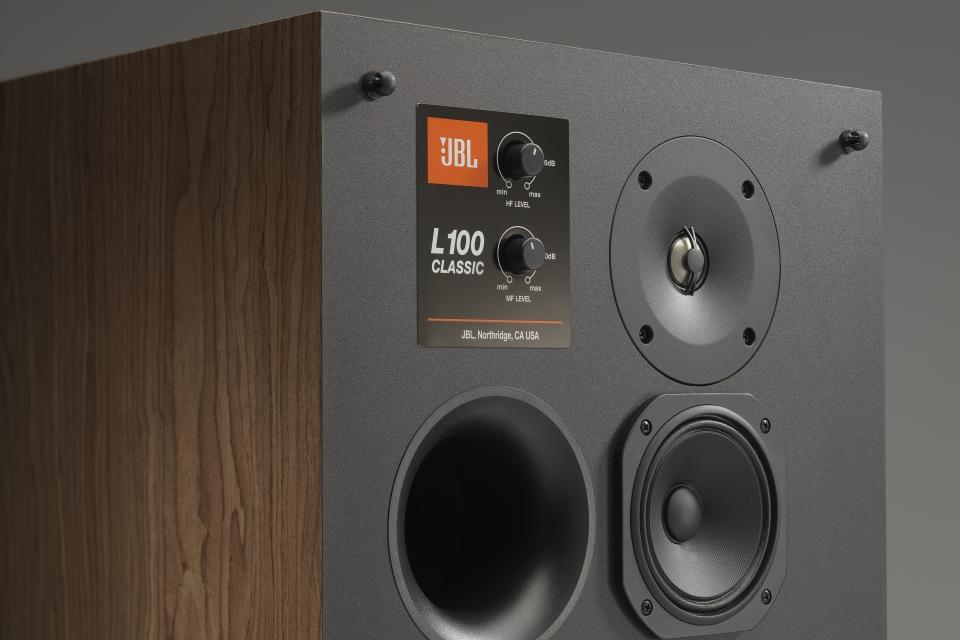 Imagem de JBL relança as clássicas caixas de som L100 no tecmundo