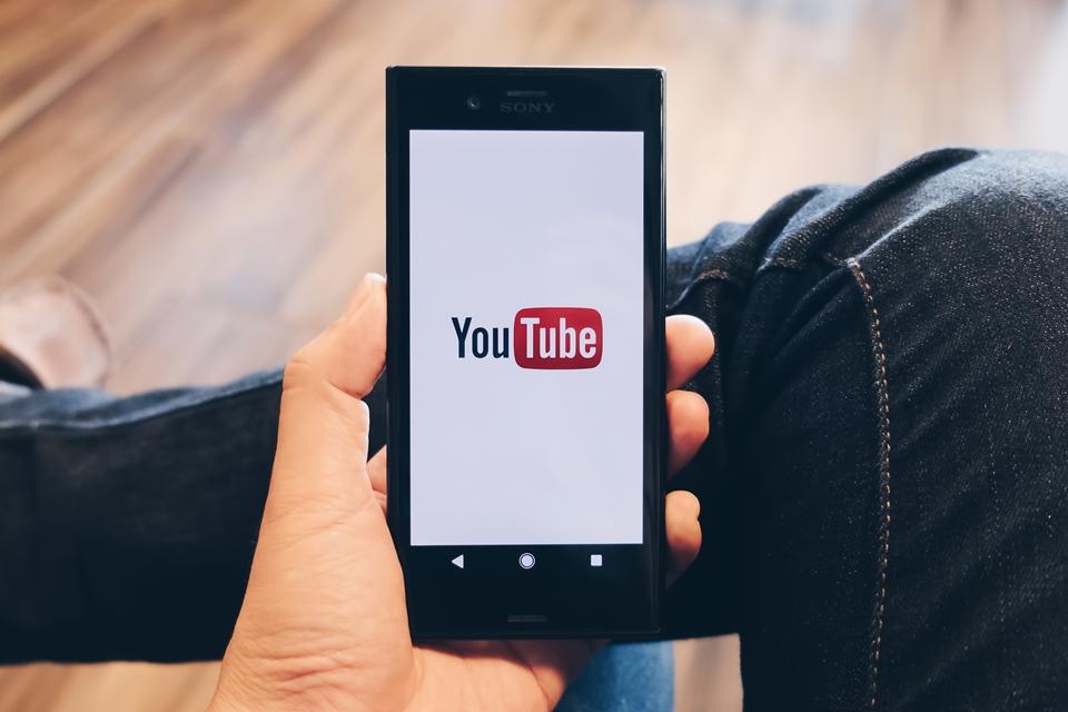 Imagem de Rival para a Netflix? YouTube começa a exibir filmes completos com anúncios no tecmundo