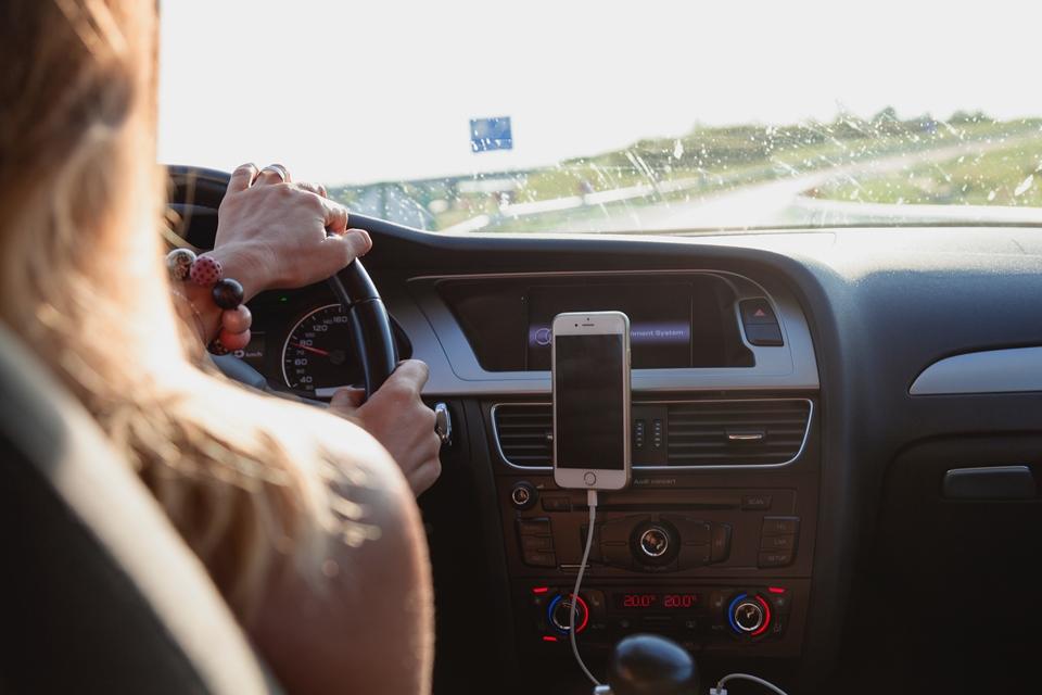 Imagem de Uber começa a vender bebidas e lanches rápidos em carros nos EUA no tecmundo
