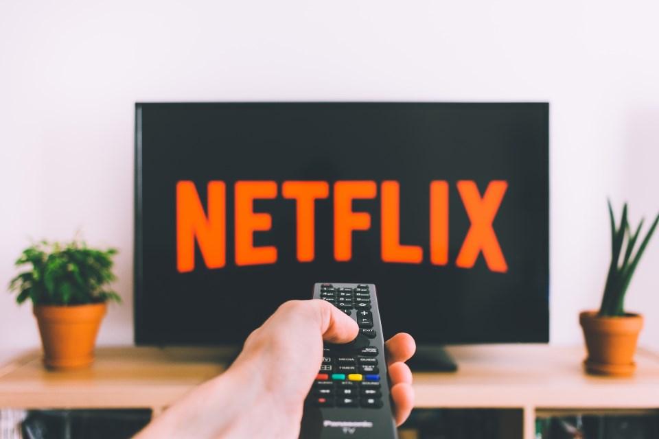 Imagem de Pessoas preferem ver séries favoritas na Netflix ao invés da TV, diz estudo no tecmundo