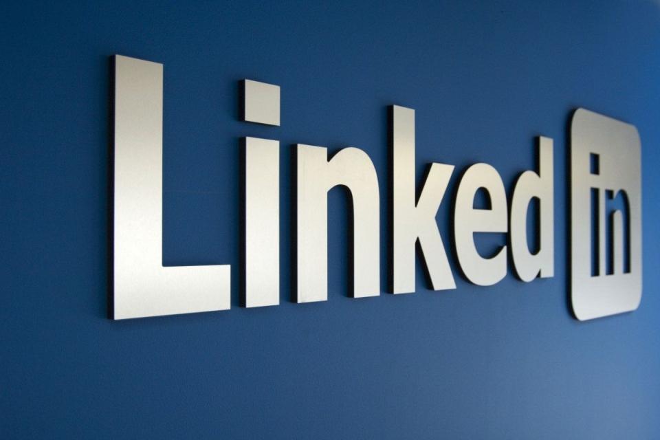 Imagem de Ilegalmente, LinkedIn enviou anúncios para 18 milhões de contas do Facebook no tecmundo