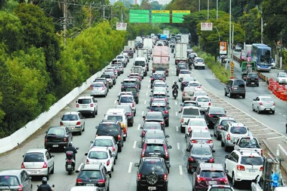Imagem de Taxistas pressionam e querem novas regras para apps de transporte em SP no tecmundo