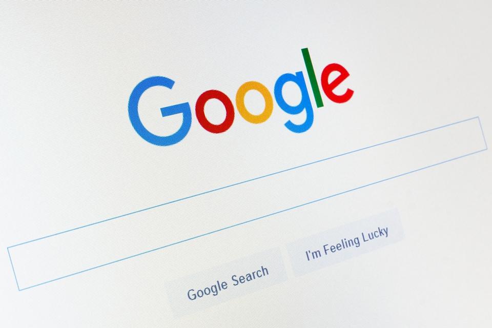 """Imagem de Pessoas têm """"direito de serem esquecidas"""" pelo Google — mas só na Europa no tecmundo"""