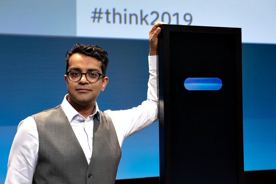 Imagem de Homem x Máquina: jovem indiano vence IA da IBM em competição de debate no tecmundo