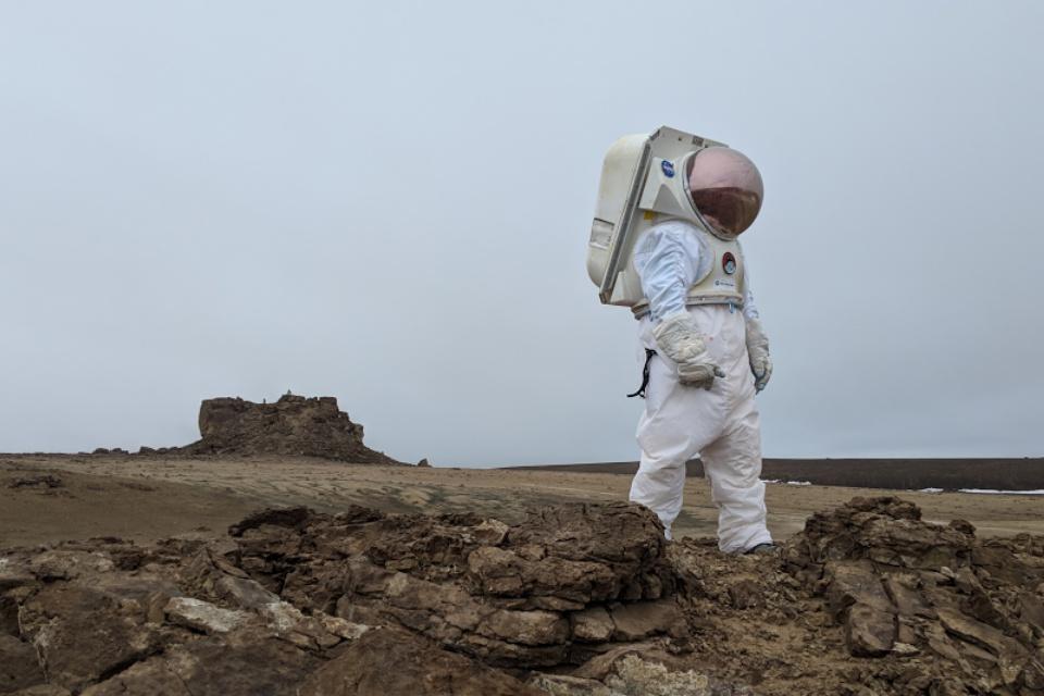 """Imagem de Explore agora a ilha conhecida como """"Marte na Terra"""" no Google Street View no tecmundo"""