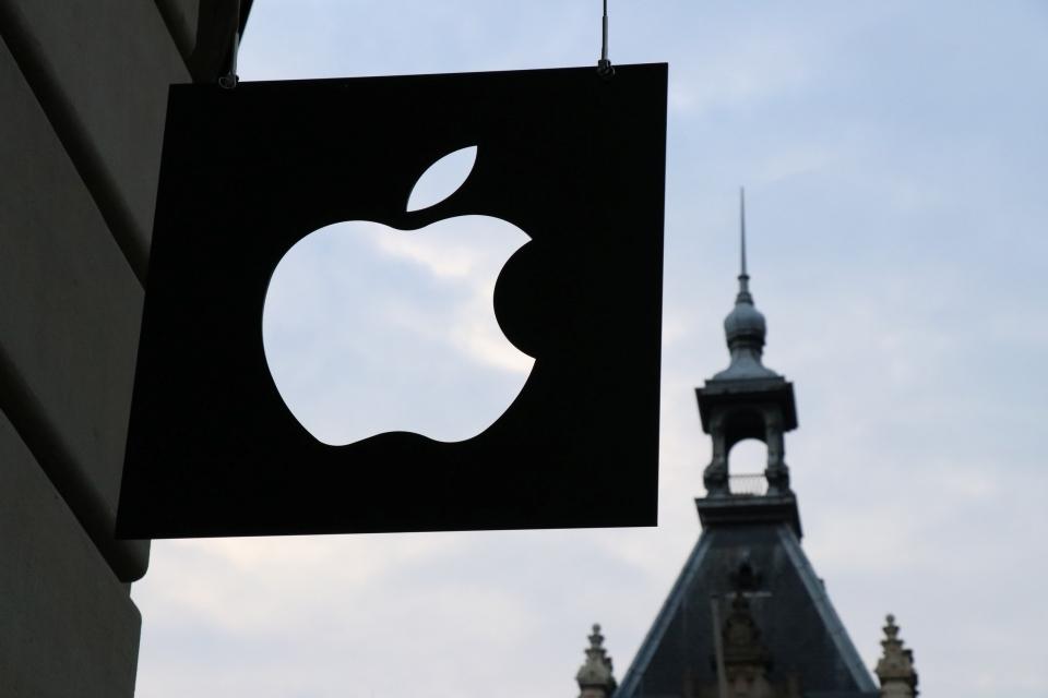Imagem de Apple Card: como a Maçã vai economizar dinheiro e lucrar com o cartão? no tecmundo