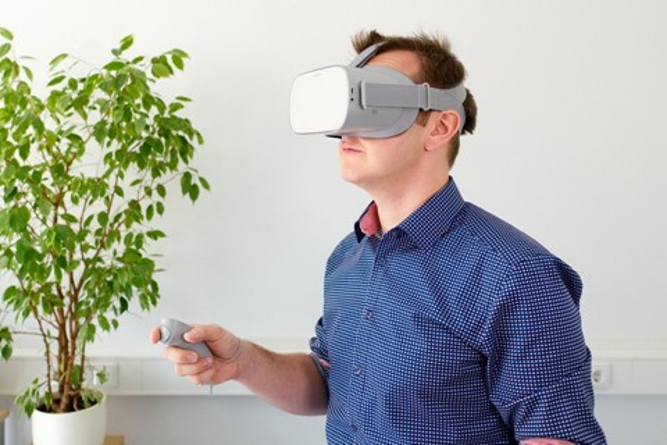 Imagem de Novos headsets da Oculus têm Easter-eggs polêmicos nos controles no tecmundo