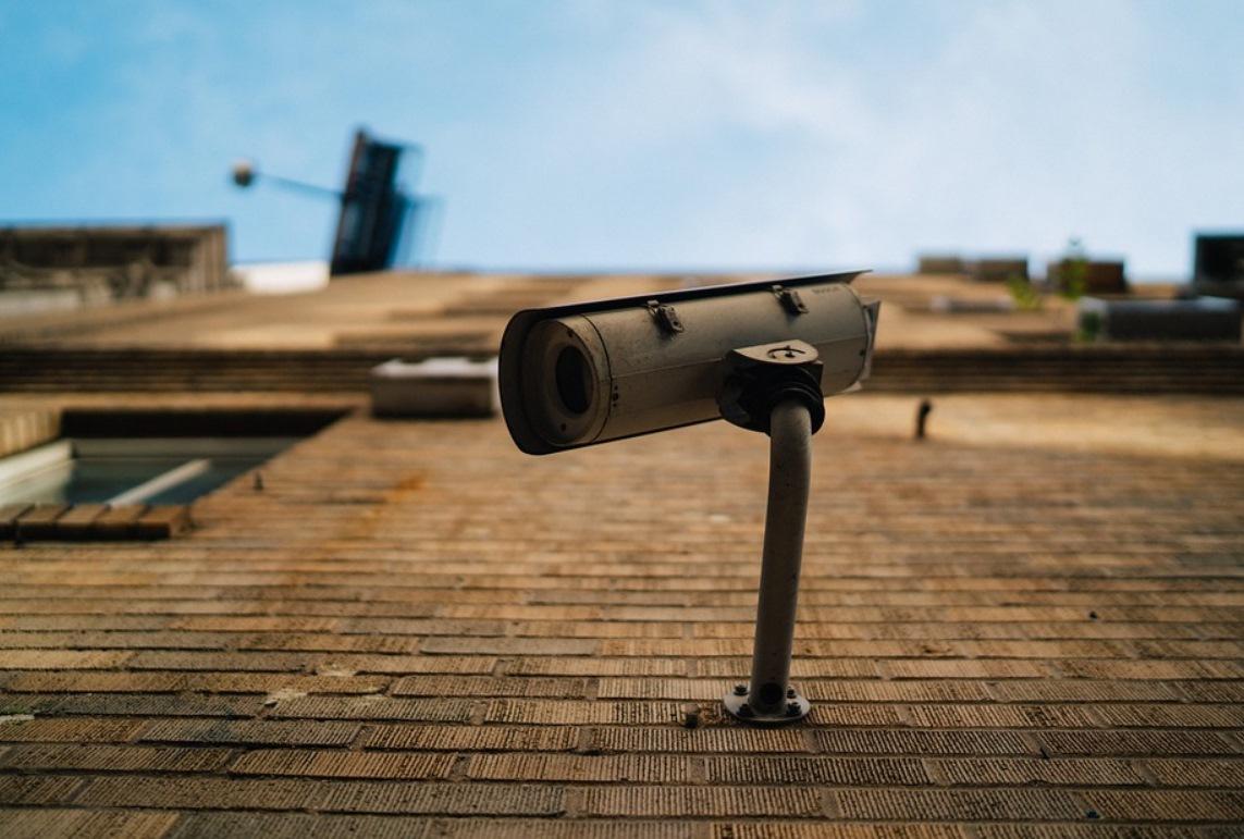 Imagem de Como encontrar câmeras ocultas no seu Airbnb e em outros lugares no tecmundo