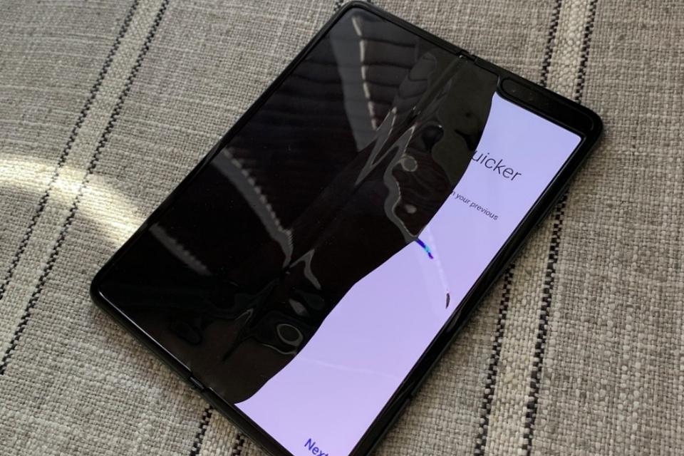Imagem de Defeito do Galaxy Fold pode ser alternativa para concorrentes; entenda no tecmundo